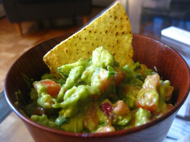 how to make fresh healthy guacamole