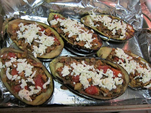 Baked Eggplant (Aubergine) with Tomato and Mozzarella | food comas