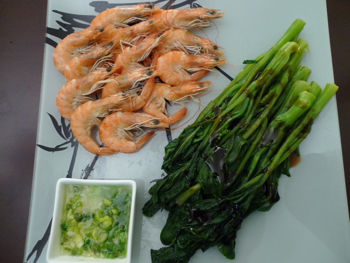 White Boiled Shrimp 白灼虾 and Chinese Broccoli 芥蘭
