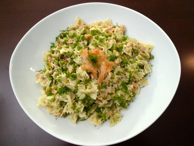 Pasta with Smoked Salmon & Peas in a Dill Cream Sauce   food comas