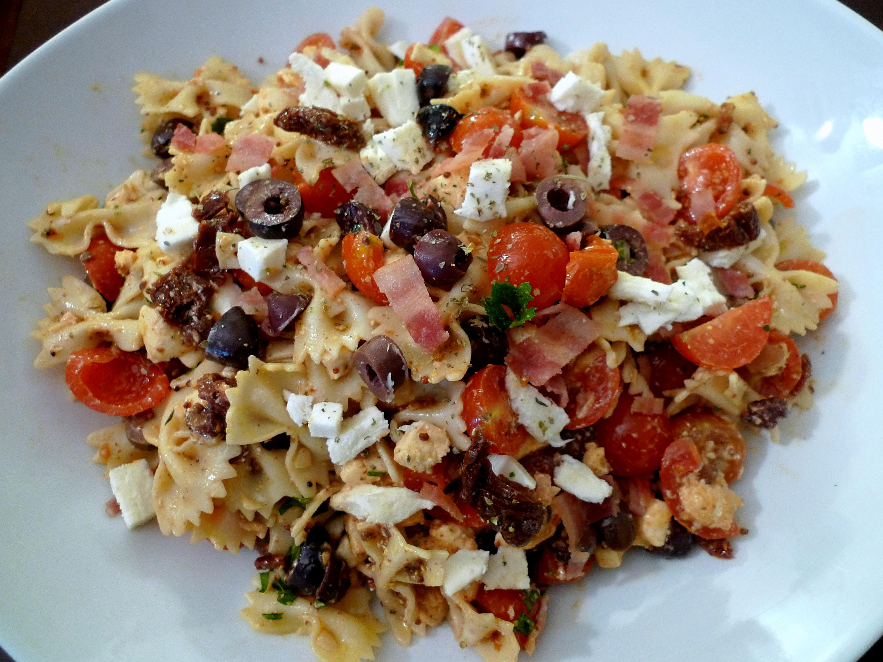 Mediterranean Pasta Salad | food comas