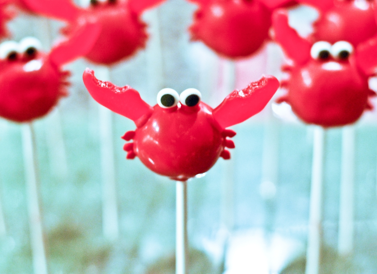 Red Velvet Crab Cake Pops | food comas