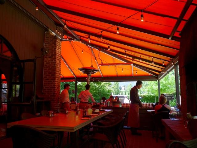 Bottega patio dining