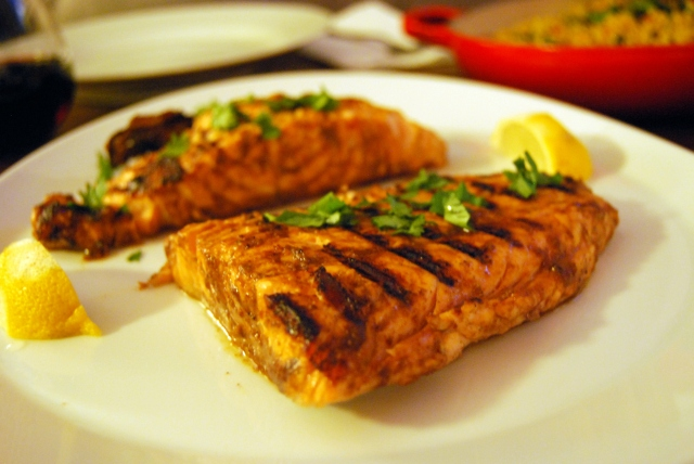 Grilled Paprika Salmon with Tzatziki (recipe from theguardian )