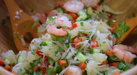 Thai Spicy Sprimp and Pomelo Salad